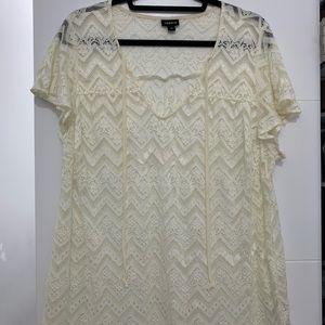Torrid - Cream Lace Blouse - Size 0